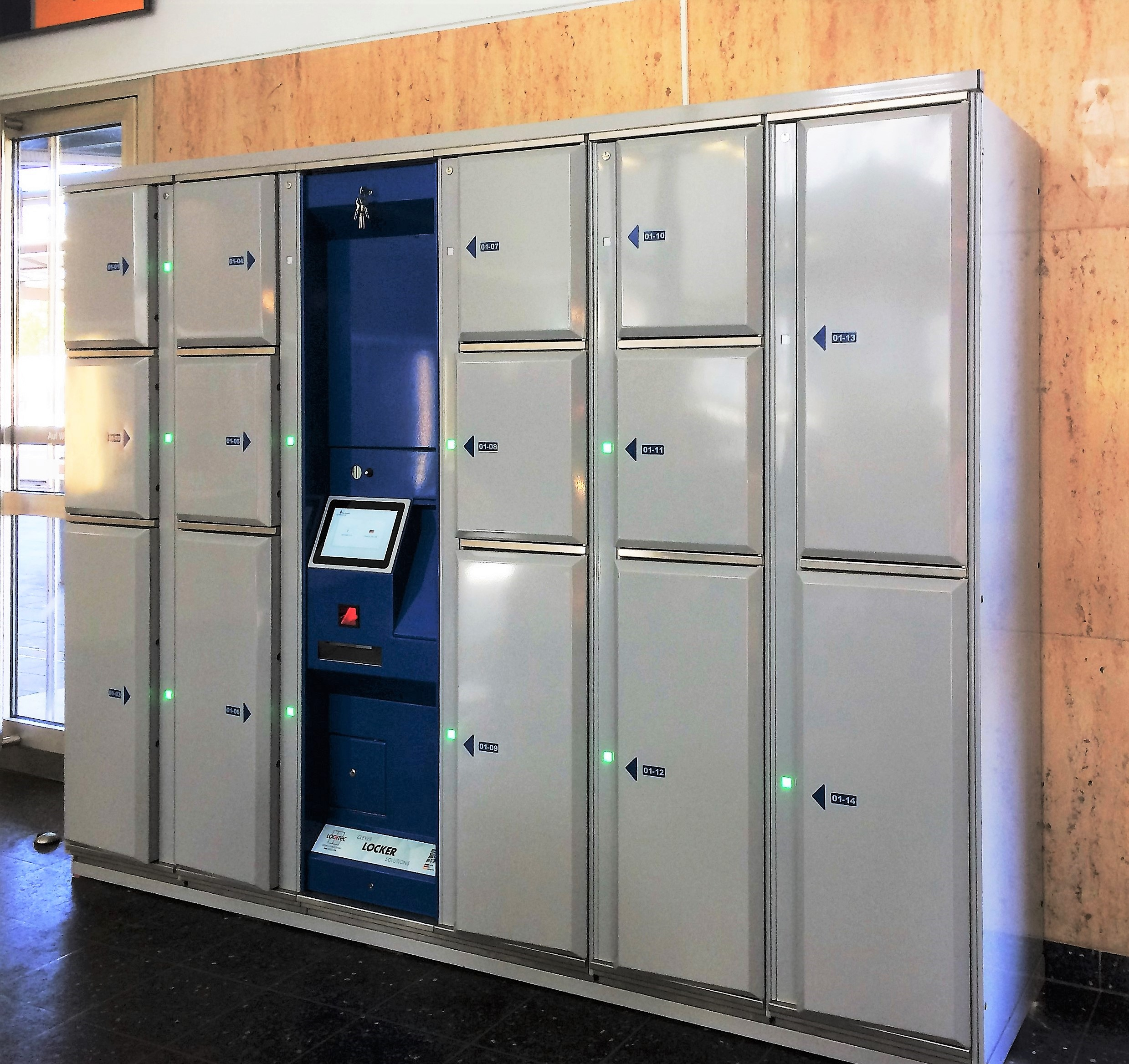 Smart lockers Locksafe5 - Smart luggage lockers for public institutions, administrations and city halls.