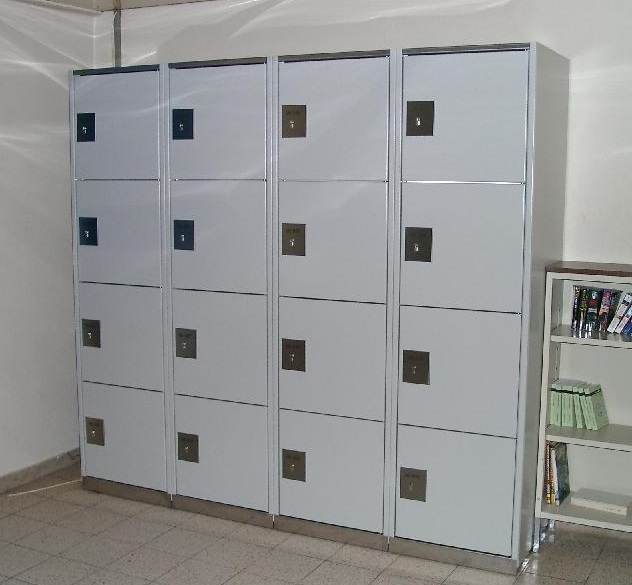 Steel locker – Locksafe mechanic: steel cabinet for storage of valuables, luggage and tools. Extremely robust and resistant processing.