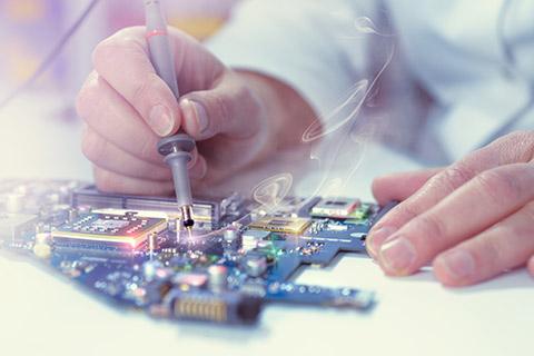 Elektronik-Ingenieur