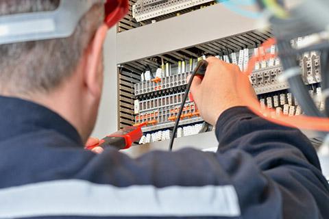 Elektriker / Elektroniker