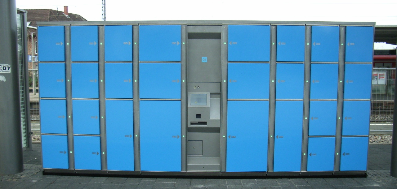 Smart lockers Locksafe5 – electronic locker system at a train station.