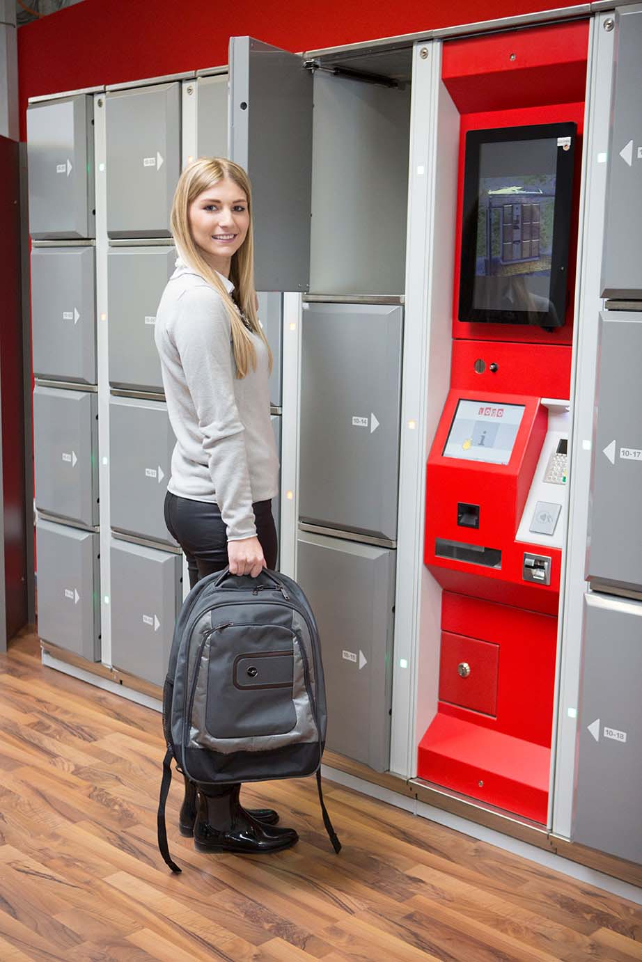 Smart lockers Locksafe5 – steel lockers: safe storage of valuables. Can be used as employee lockers.