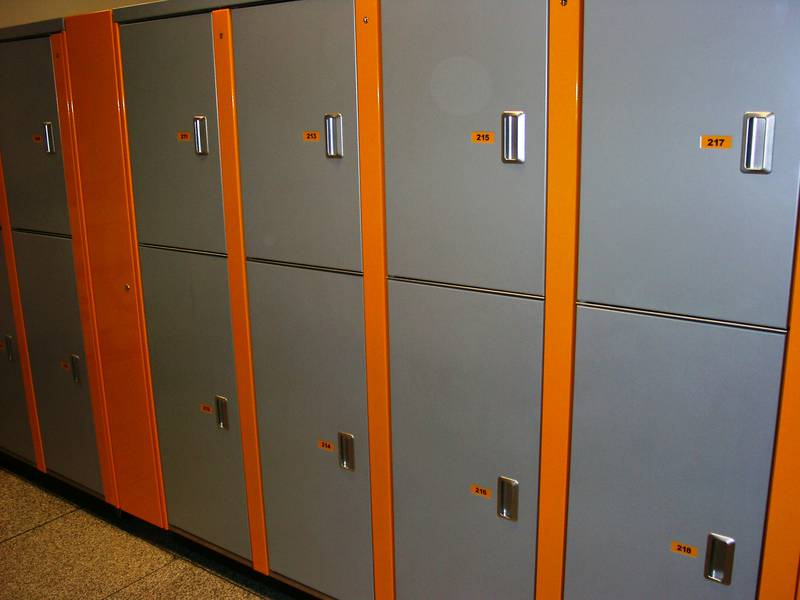 state of the art lockers for lufthansa crews locktec schlie f cher und sicherheitssysteme. Black Bedroom Furniture Sets. Home Design Ideas