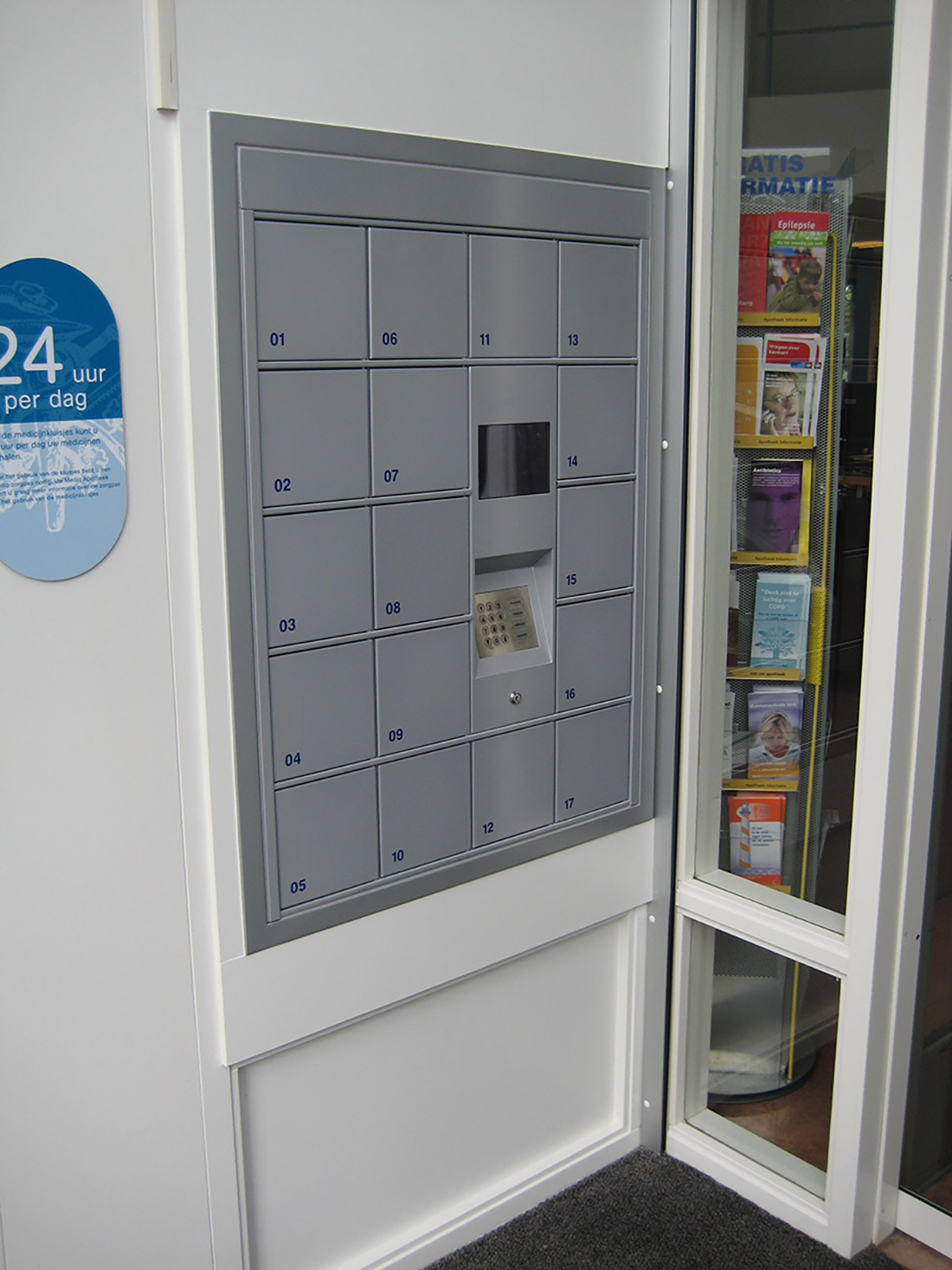 Pickup station Servicebox – special model of pickup station with small lockers.