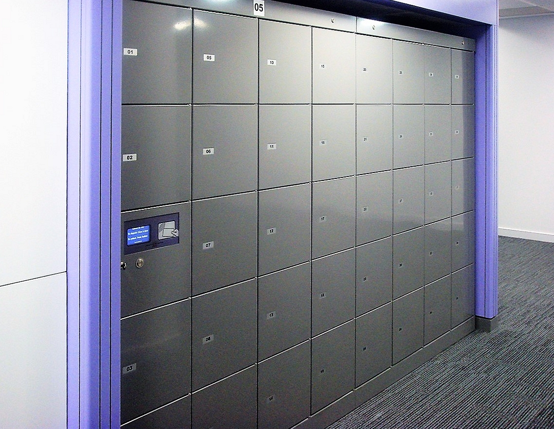Parcel locker Servicebox. Intelligent parcel lockers for easy handover of packages and orders. No need to wait for the supplier at home.