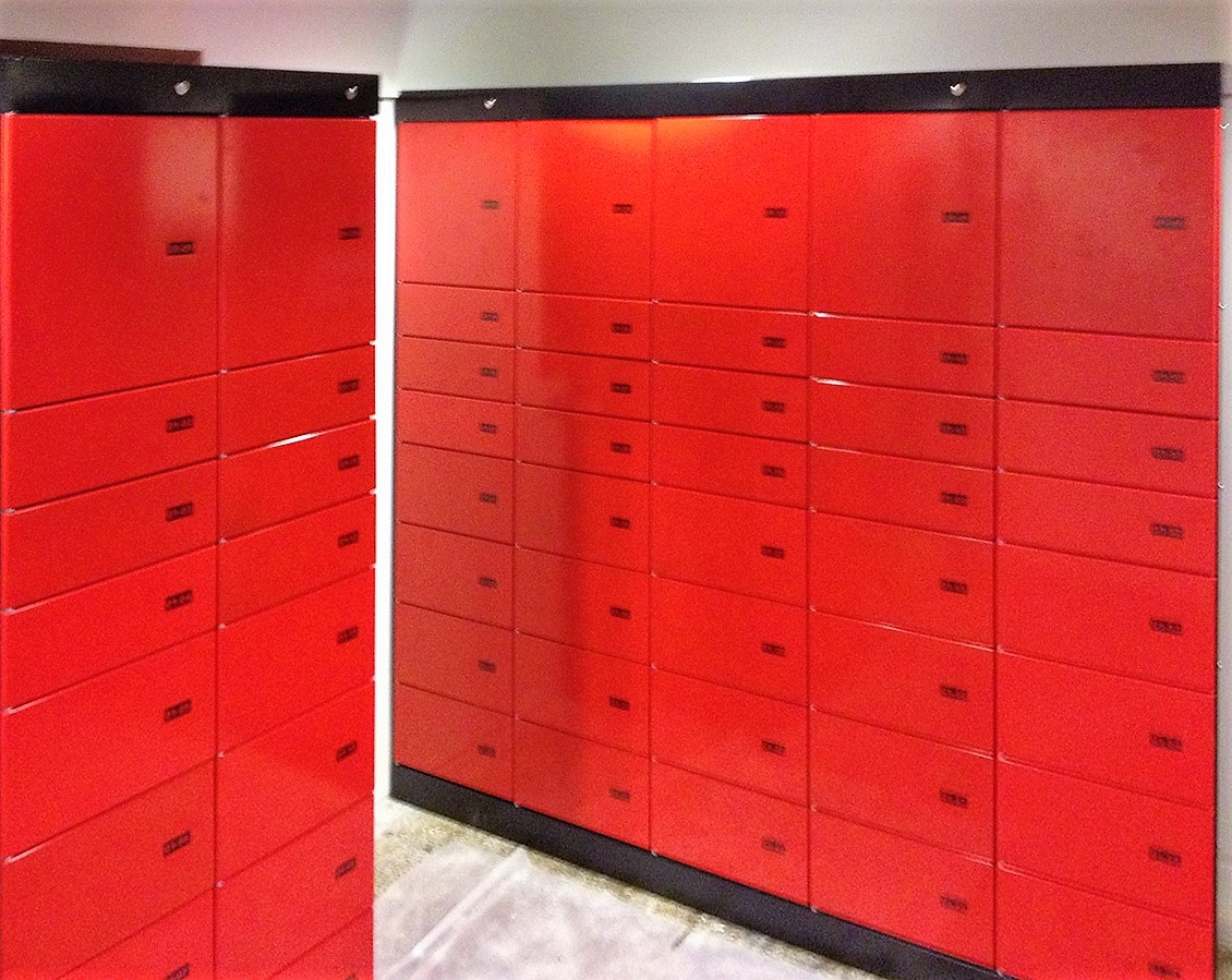Parcel locker Servicebox. Parcel locker systems with various compartment sizes. Delivery and pickup around the clock.