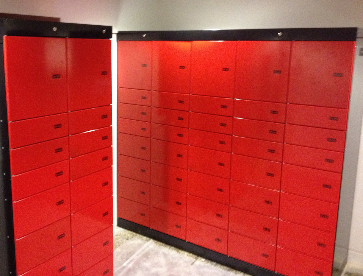 Parcel locker Servicebox – parcel locker systems with various compartment sizes. Delivery and pickup around the clock.