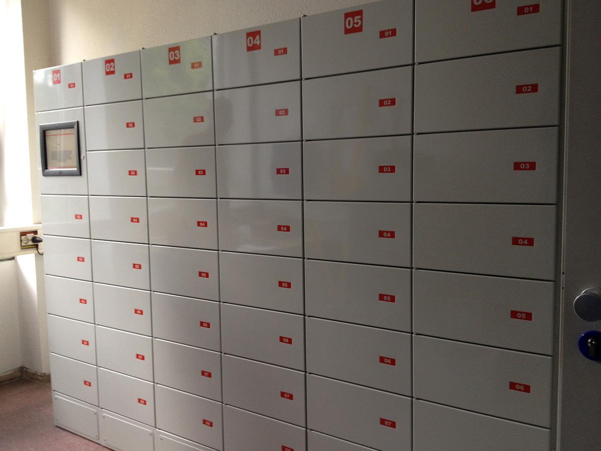 Übergabefachanlage zur Organisation interner Abläufe (Werkzeugübergabe, Gerätübergabe, Reparaturservice).